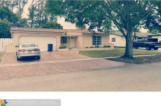 11820 NW 29th St - Photo 1