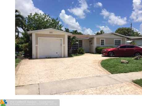 4224 NW 25th Pl - Photo 1