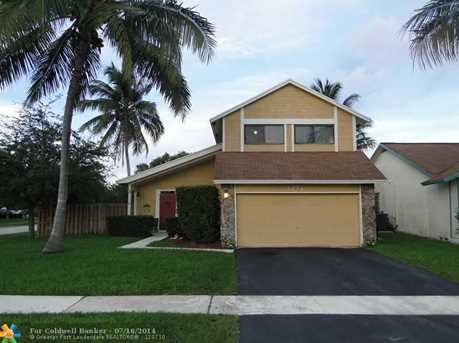 3274 NW 104th Ter - Photo 1