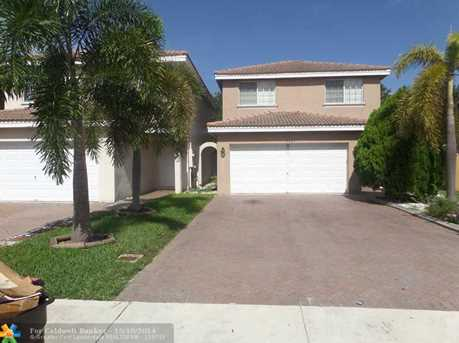 5487 NW 95th Ave - Photo 1