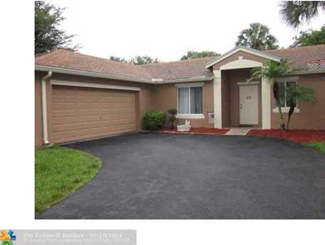 5490 NW 40th Ter - Photo 1