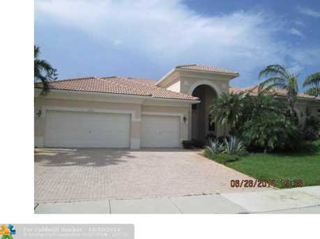 15551 SW 15th St - Photo 1