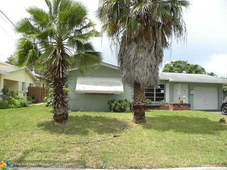 2061 NW 39th St - Photo 1