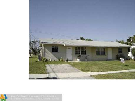 2501 NW 64th Ter - Photo 1