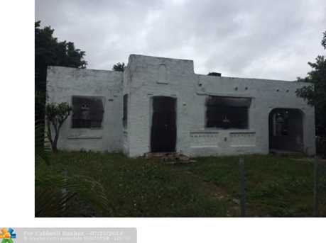 7756 NW 9th Ave - Photo 1