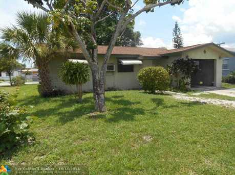 2760 NW 11th St - Photo 1