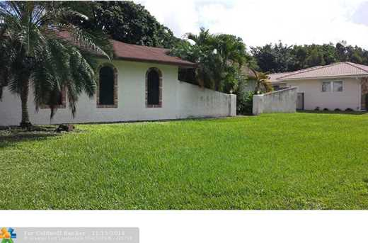 11681 NW 27th Ct - Photo 1