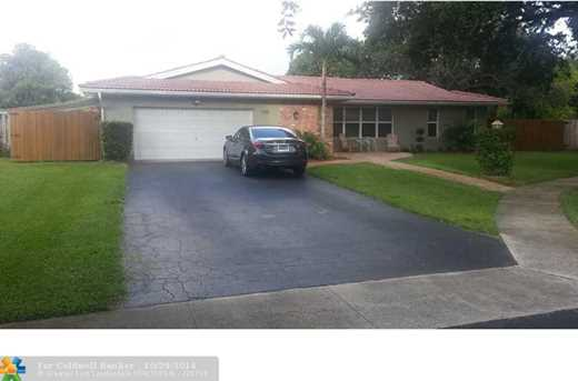1130 SW 74th Ter - Photo 1