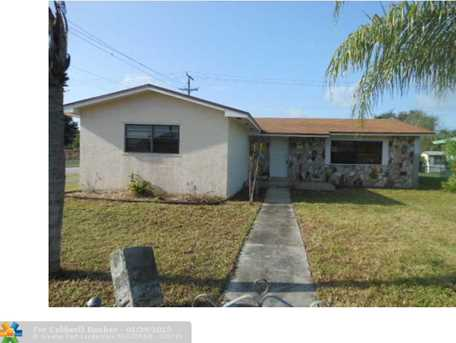 4200 SW 27th St - Photo 1
