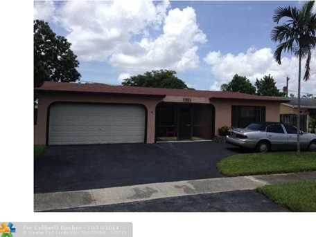 11921 NW 29th St - Photo 1