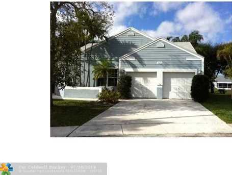 1030 SW 86th Ave - Photo 1