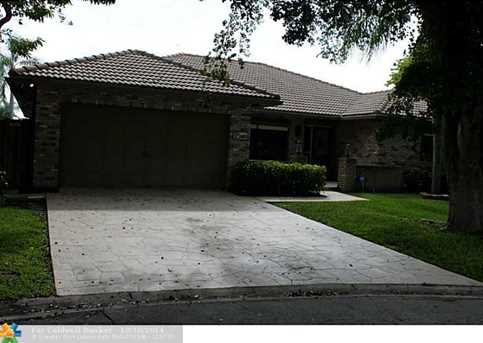 11813 NW 32nd Ct - Photo 1