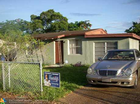 2344 NW 15th St - Photo 1