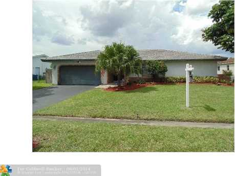11041 NW 44th St - Photo 1