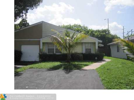 1274 SW 71st Ter - Photo 1