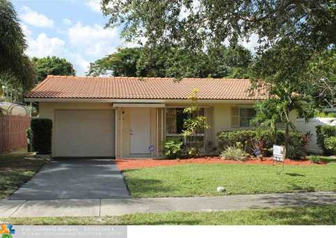830 SW 18th St - Photo 1
