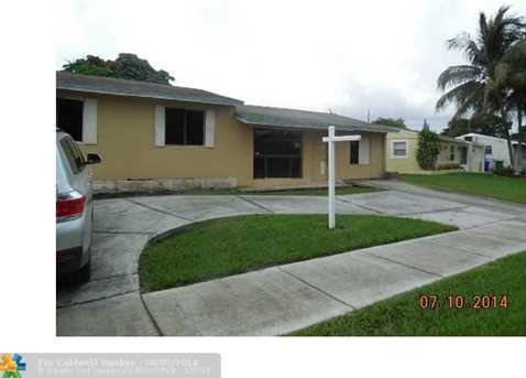 4728 SW 22nd St - Photo 1