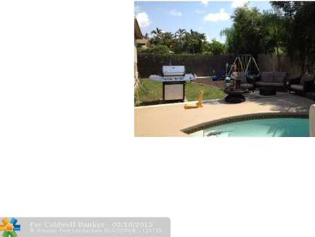 5370 NW 32 ST - Photo 1