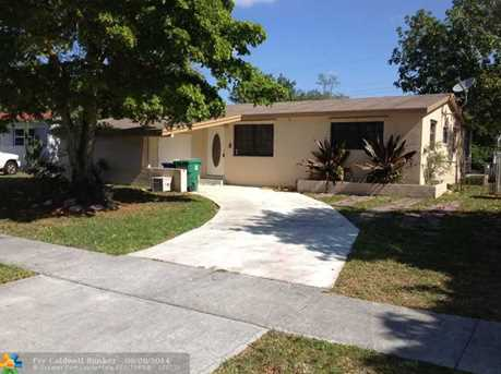6809 SW 22nd St - Photo 1