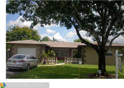 251 NW 35th Ct - Photo 1