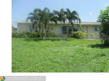 7140 SW 11th St - Photo 1