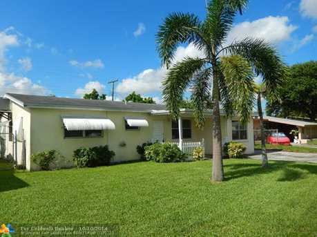 6910 SW 26th Ct - Photo 1