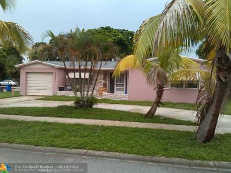 6897 NW 4th St - Photo 1