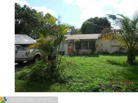 4424 SW 28th Ter - Photo 1