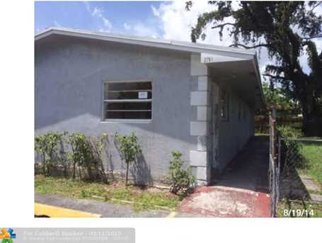 2751 NW 13th Ct - Photo 1