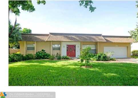 7320 NW 15th St - Photo 1
