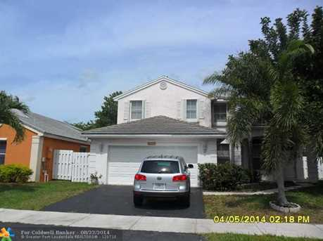 5272 NW 55th Ter - Photo 1