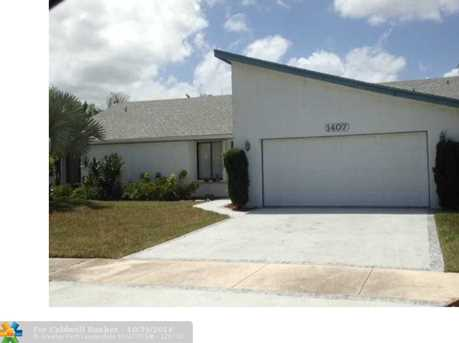 1407 SW 24th Ter - Photo 1