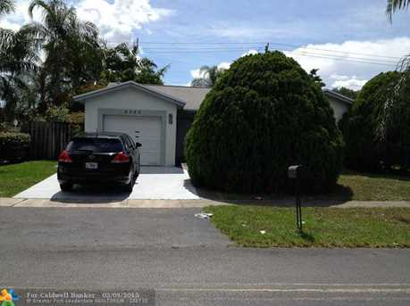 5353 NW 93rd Ter - Photo 1