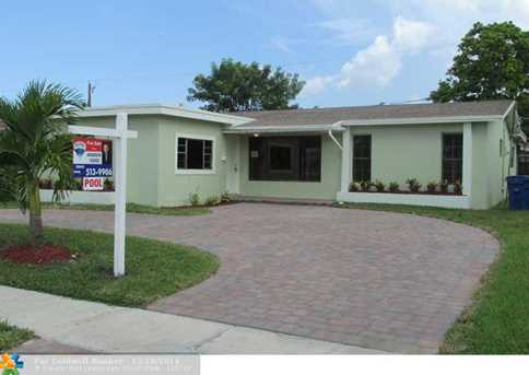 9221 NW 19th Pl - Photo 1
