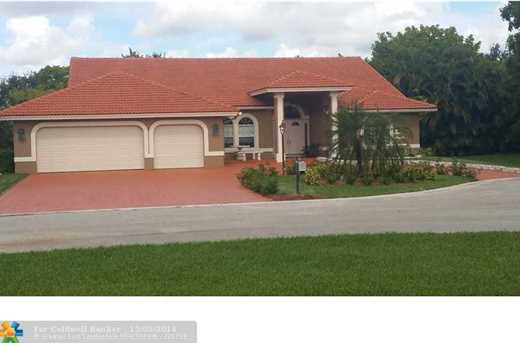 5726 NW 100th Ter - Photo 1