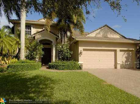 5020 NW 57th Ter - Photo 1