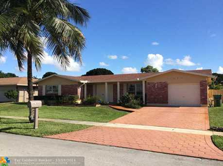 11800 NW 16th St - Photo 1