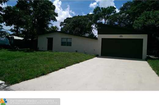 2950 SW 13th Ct - Photo 1