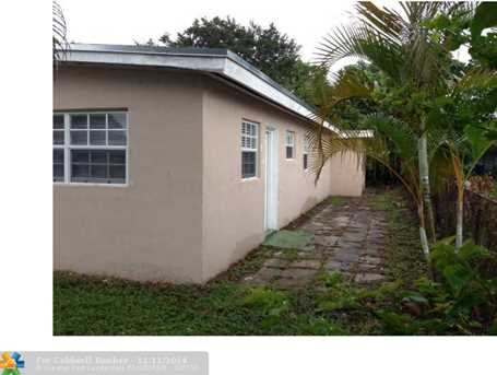 520 NW 29th Ter - Photo 1