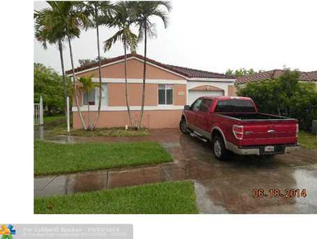 16910 SW 139th Pl - Photo 1
