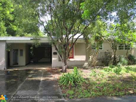 727 NW 17th St - Photo 1
