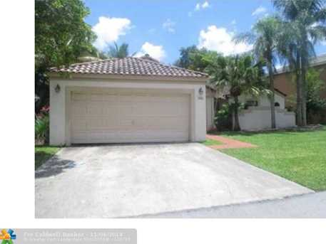146 NW 48th Ave - Photo 1