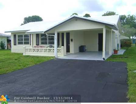7106 NW 76th Ct - Photo 1