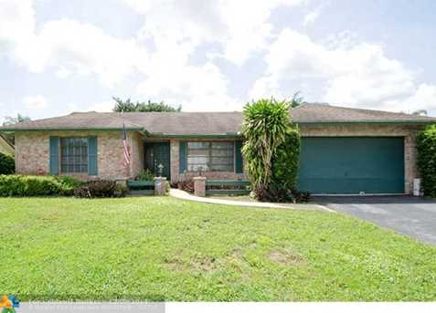 7650 NW 6th Ct - Photo 1
