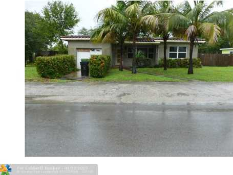 1515 NW 4th St - Photo 1