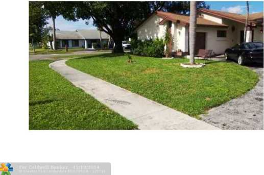 900 SW 56th Ave - Photo 1