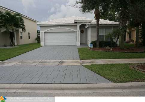 7993 NW 70th Ave - Photo 1