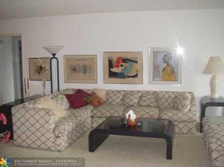 3970 Oaks Clubhouse Dr, Unit # 209 - Photo 1