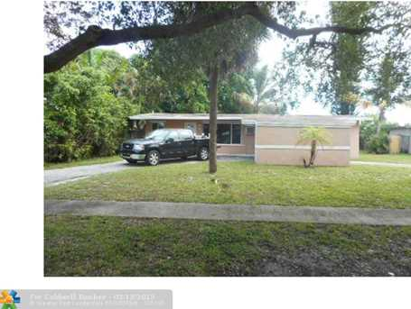 6827 NW 15th St - Photo 1