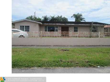 3005 SW 78th Ave - Photo 1